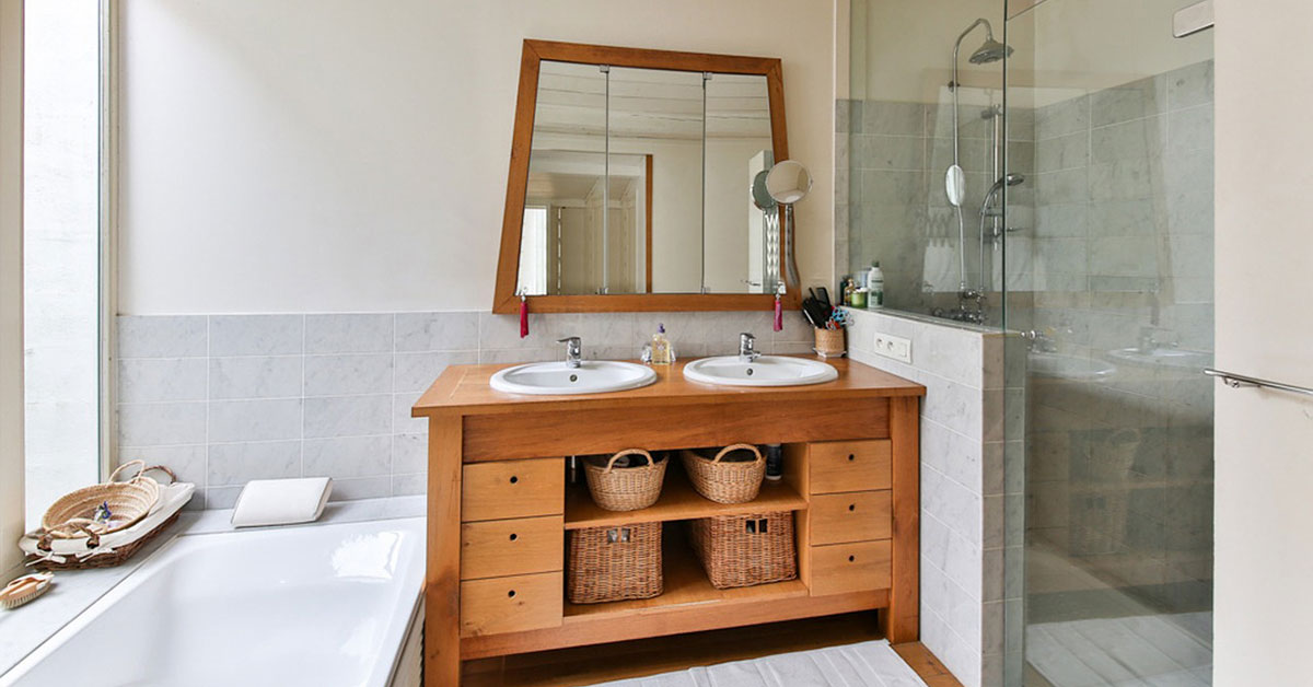 guest bathroom in volusia county