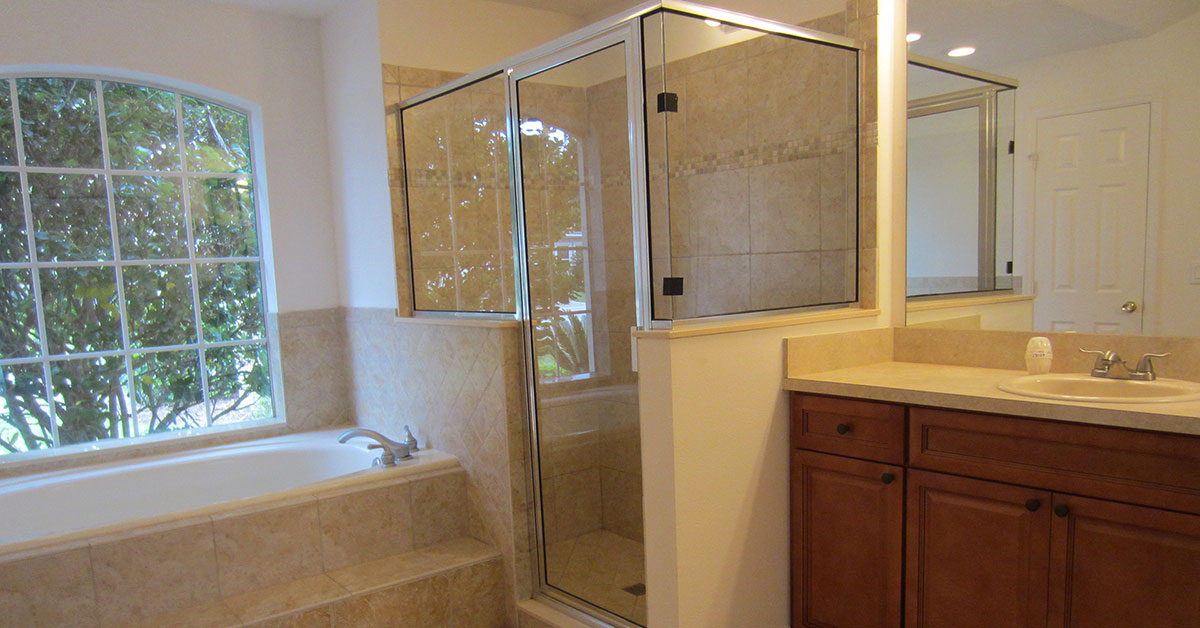 glass shower enclosures near volusia county