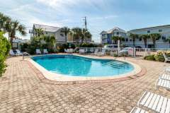 Townhomes-at-Crystal-Beach-Pool-10