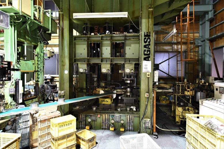 180t・3連装油圧プレス (3工程連続深絞り用、ロボット仕様)
