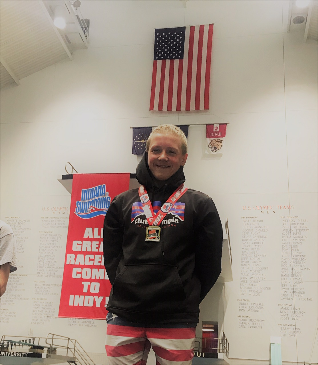 Club Olympia Swimmers compete in Age Group State Championships