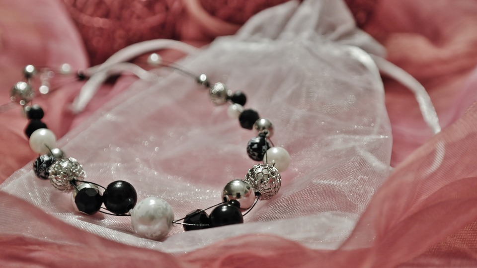 necklace-1233032_960_720