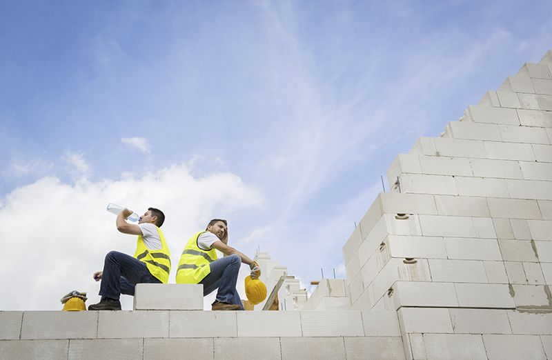 4 Ways for Your Construction Team to Stay Cool This Summer