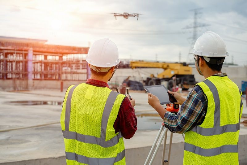 Drone-operated-by-construction-worker-cm