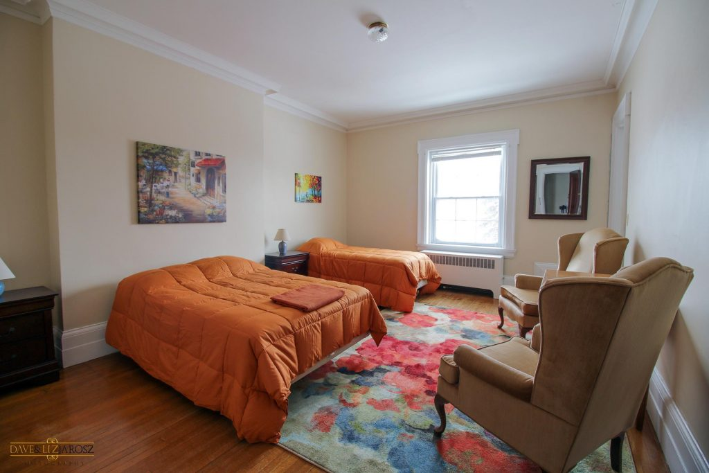 Derby NY Hotel | Derby NY Lodging B and B Buffalo Airbnb