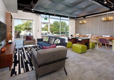 2000 Riverside - Lounge 2
