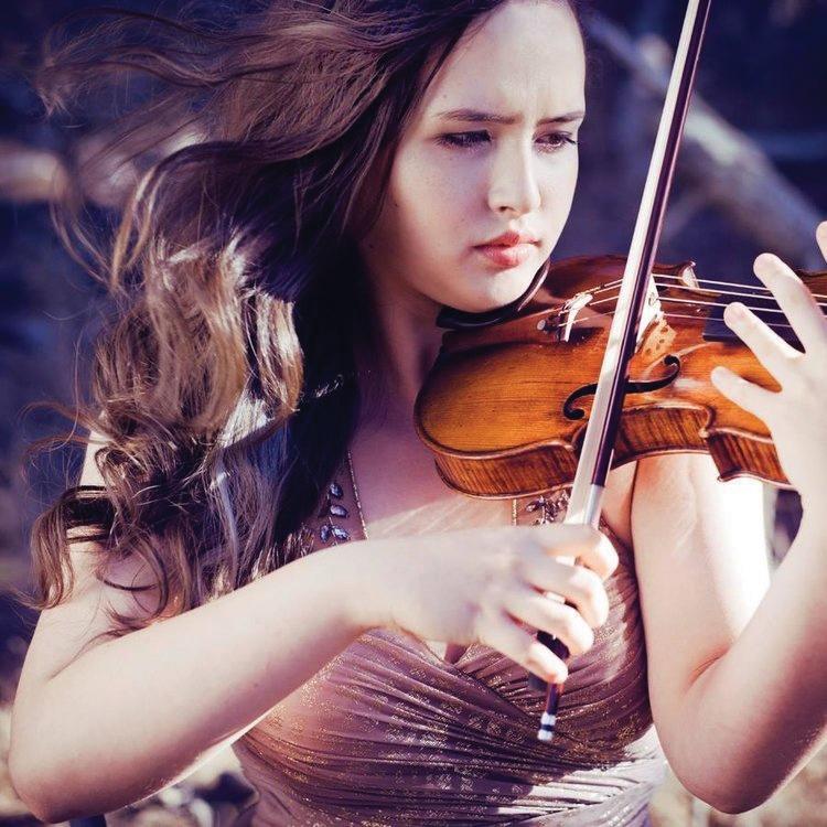 Alina Kobialka, violin
