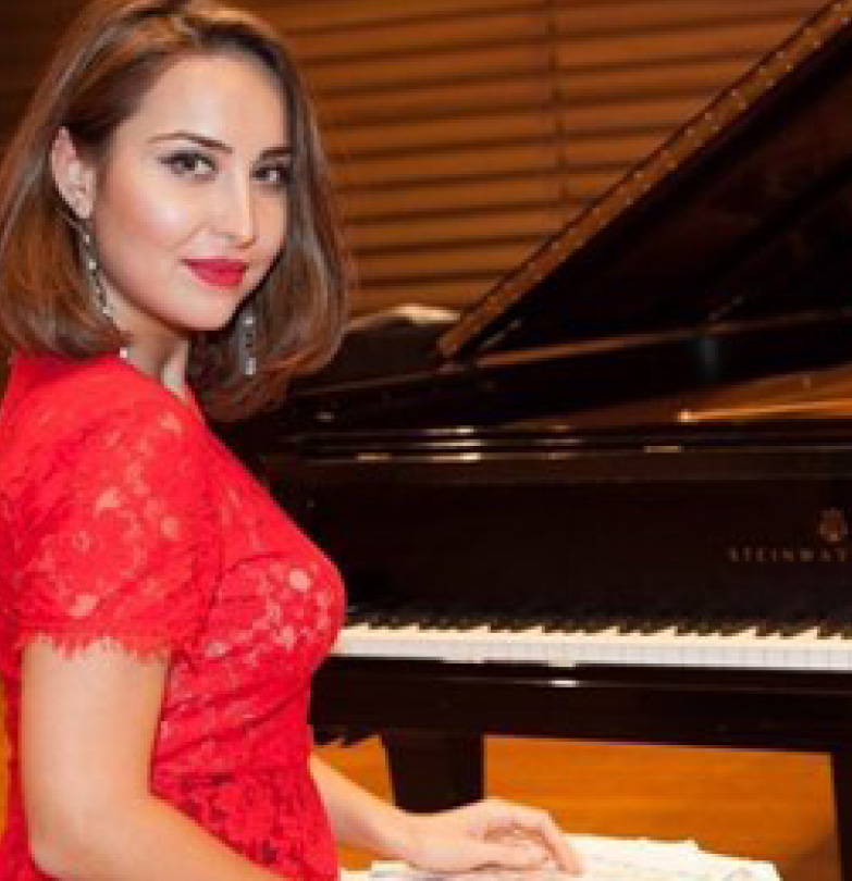 Aza Torshkoeva, piano
