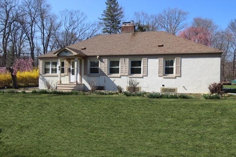 44 Rockview Avenue, North Plainfield<br />Sold $279,000