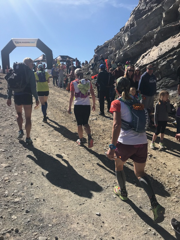 Cheering on fellow running friends in the Rut 28k 2018