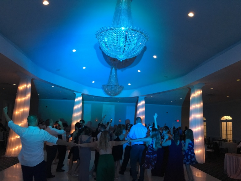 avenir weddings, avenir wedding dj, walpole wedding dj, foxboro wedding dj, boston wedding dj, wedding dj service, dj services, wedding djs