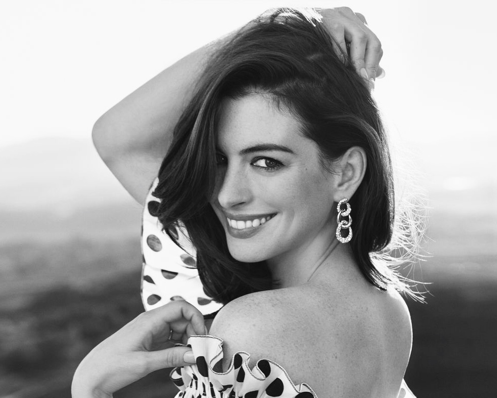 Anne Style Influencer Anne Hathaway Forever Chic by Meg