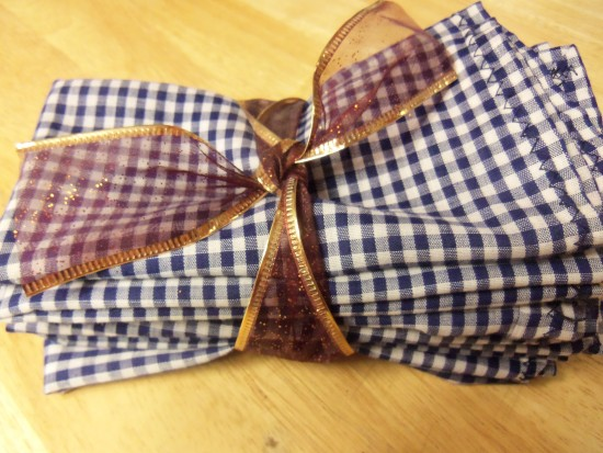 27 Last Minute Gift Ideas - Cloth Napkins from Simple Life Mom