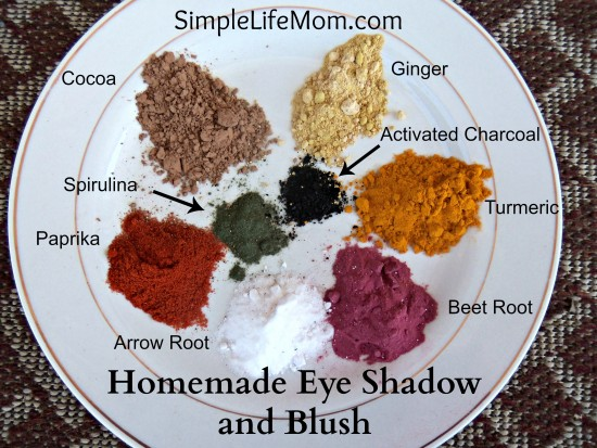 Homemade Eye Shadow and Blush with Labels - get rid of all the toxins and use natural makeup