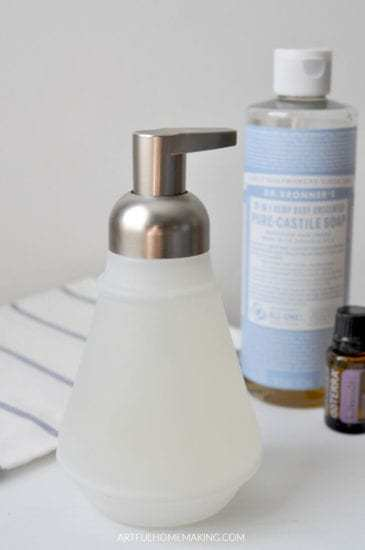 Homestead Blog Hop Feature - how-to-make-all-natural-foaming-hand-soap