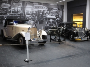 professional foreign language training - visiting an AutoMuseum - Germany