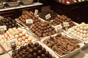 spanish language immersion programs abroad - Chocolate shop