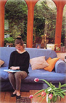 spanish language immersion programs abroad - women sitting on a couch