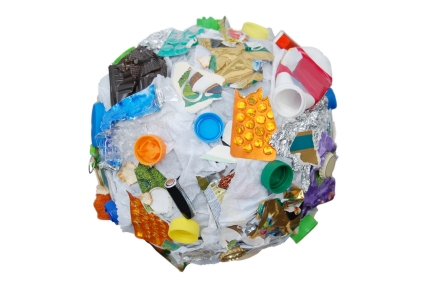 Ten Habits To Get Plastic Out Of Our Lives