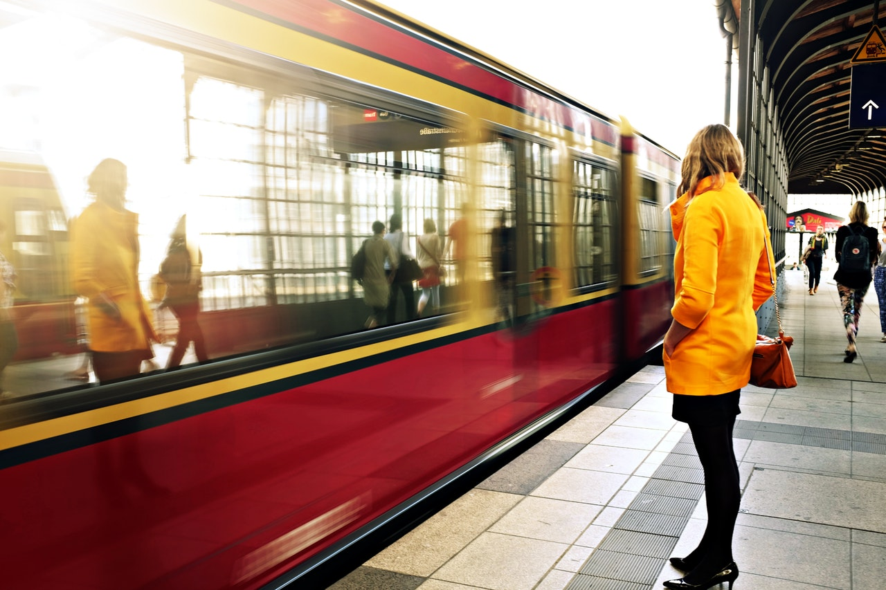 metro-station-people-woman-21410