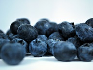 blueberries are high in antioxidants - anti-aging foods