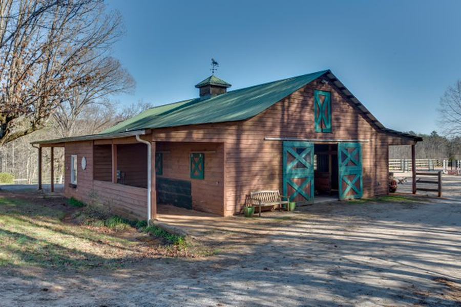 435 Landrum Barn