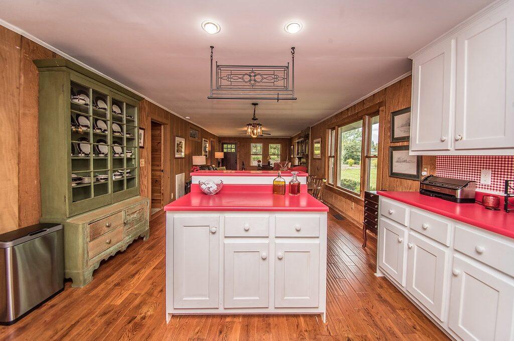 535 Landrum Kitchen 2
