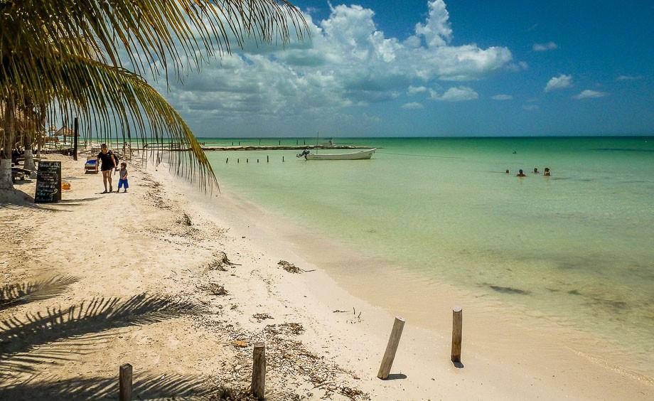 mexico-isla-holbox beach