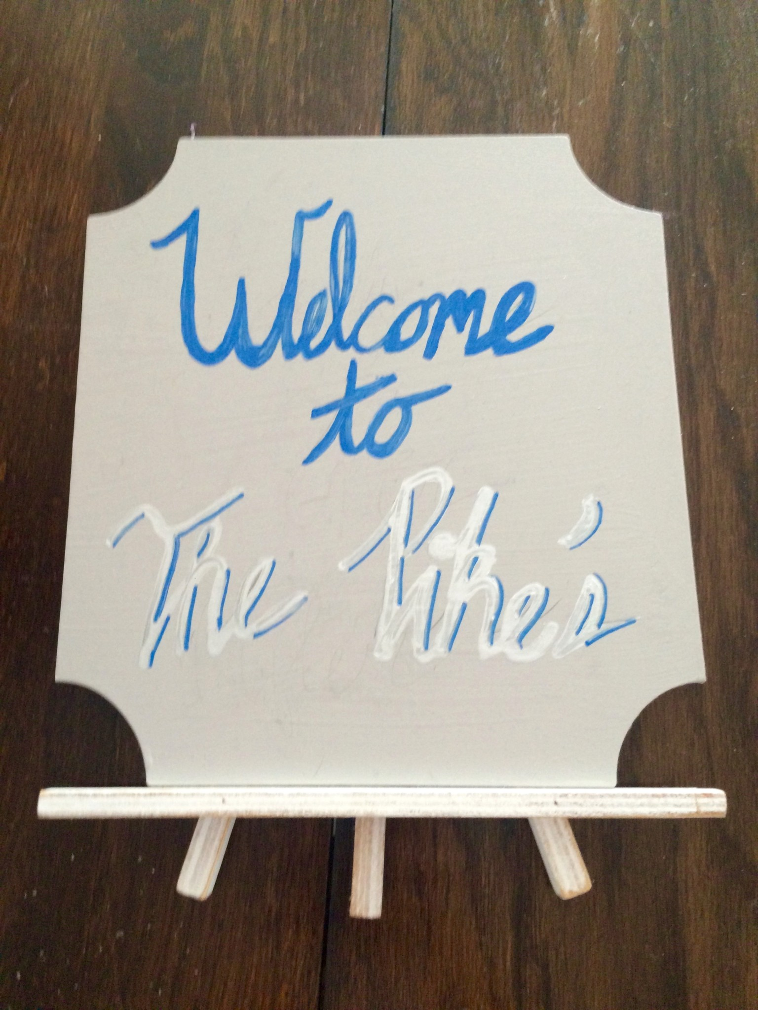 The Before Photo for a DIY Welcome Sign for Home Entryway Using a Cricut Die Machine and Vinyl