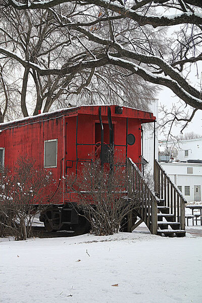 Red-caboose-in-winter