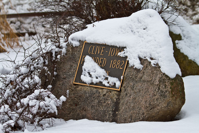 Rock-with-snow