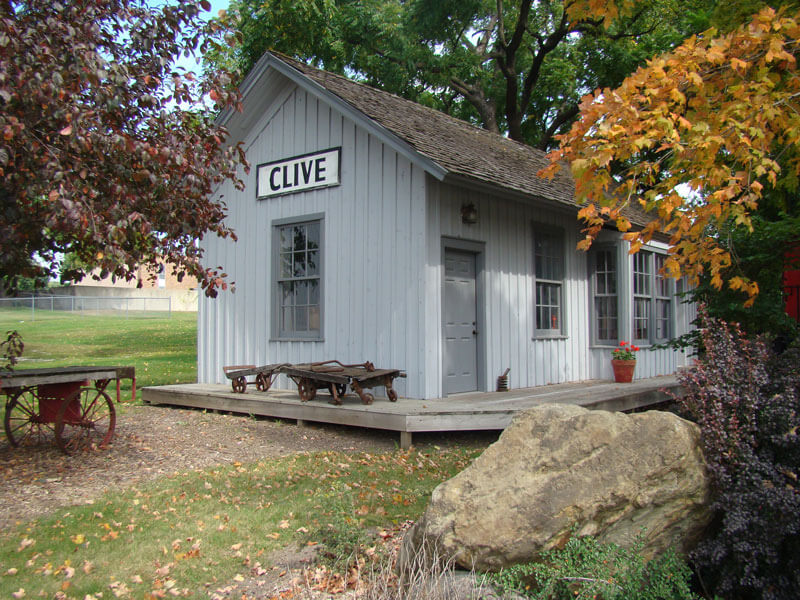 The-Clive-Depot-in-Fall