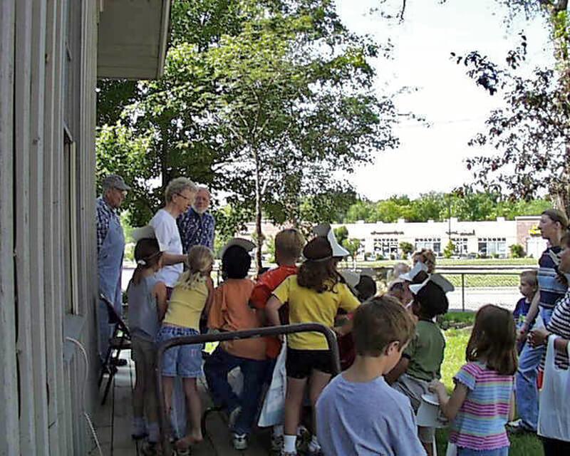 16-Crestview-1st-Grade-2003