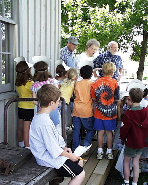 17-Crestview-1st-Grade-2003
