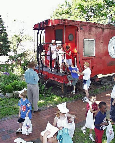 23-Crestview-1st-Grade-2003