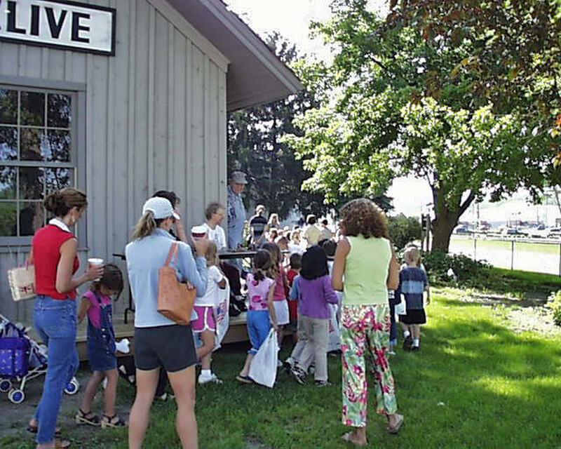 5-Crestview-1st-Grade-2003