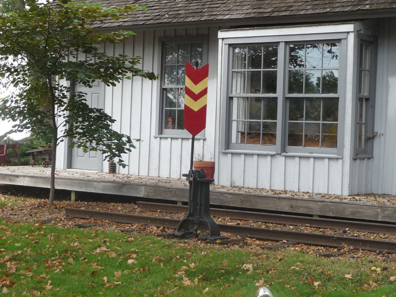 Caboose-with-red-&-yellow-m
