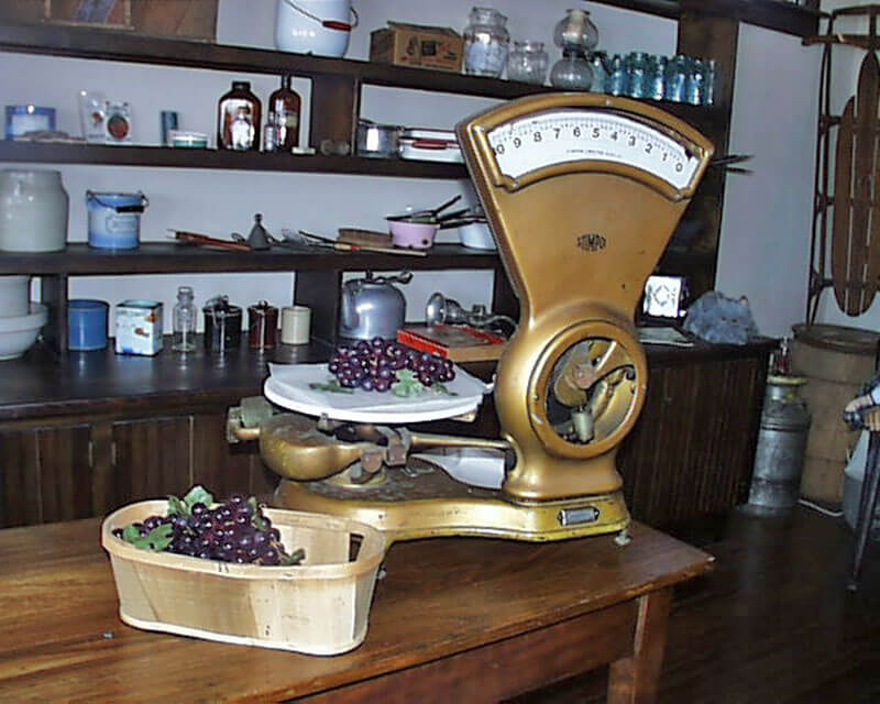 General-Store-scales