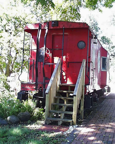 Red-Caboose—2004