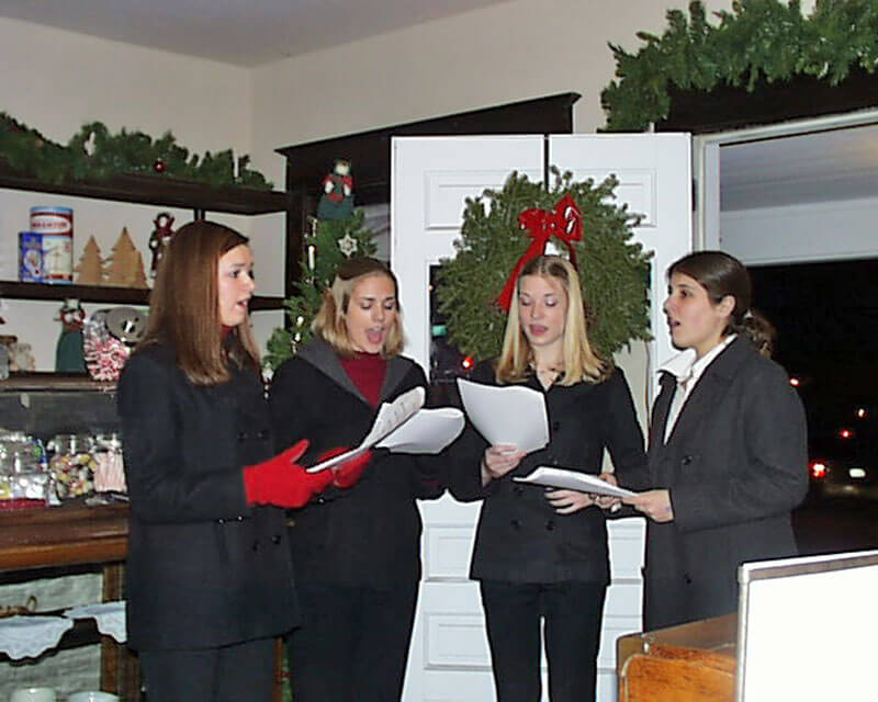 Valley-High-School-Carolers
