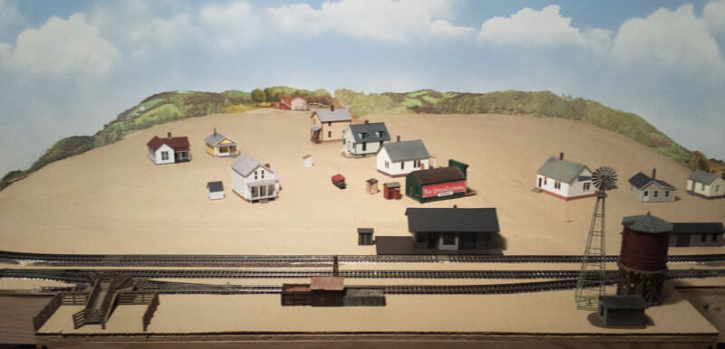 railroad-with-buildings