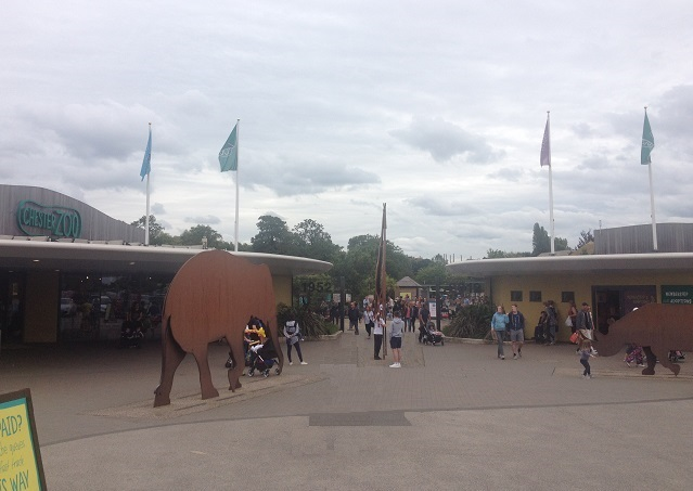 Chester-zoo-entrance-2