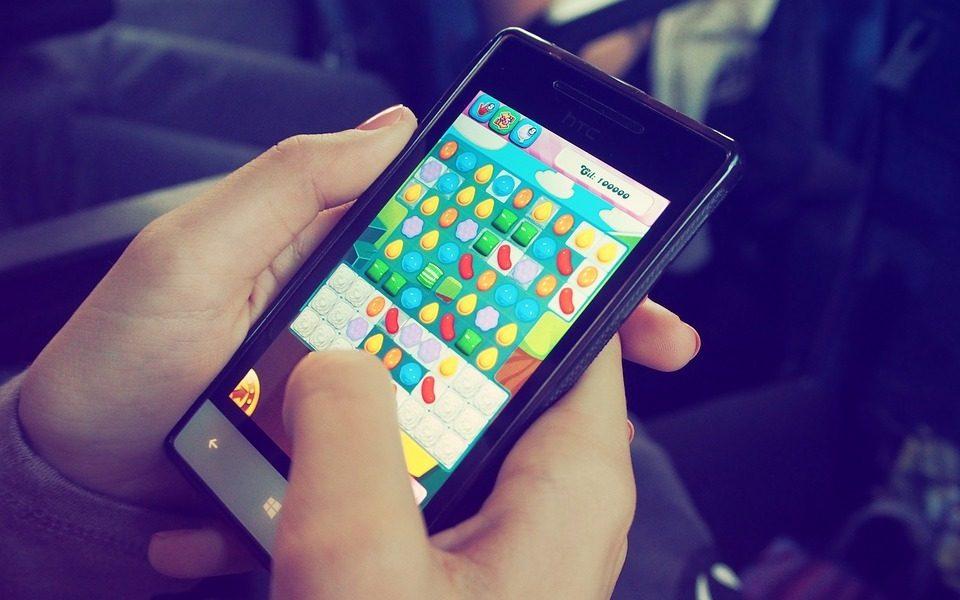 スマートフォンのゲーム画面