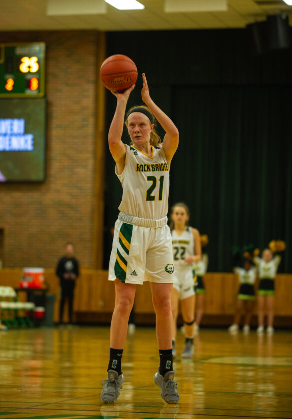 Sophomore guard Averi Kroenke takes a free throw in the third period of the girls basketball game Thursday, Jan. 20. Photo by Ana Manzano.