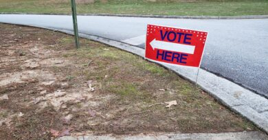 Early voting begins in Fulton