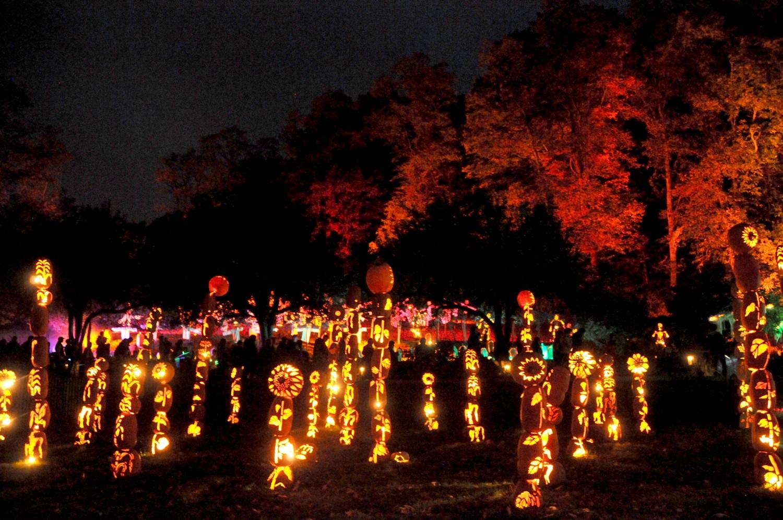 Halloween in Historic Hudson Valley: Blaze at Van Cortlandt Manor © 2016 Karen Rubin/goingplacesfarandnear.com