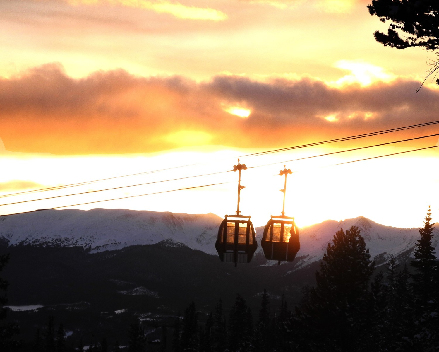 Riding the gondola to dinner atop Keystone Mountain 2016 Karen Rubin/goingplacesfarandnear.com