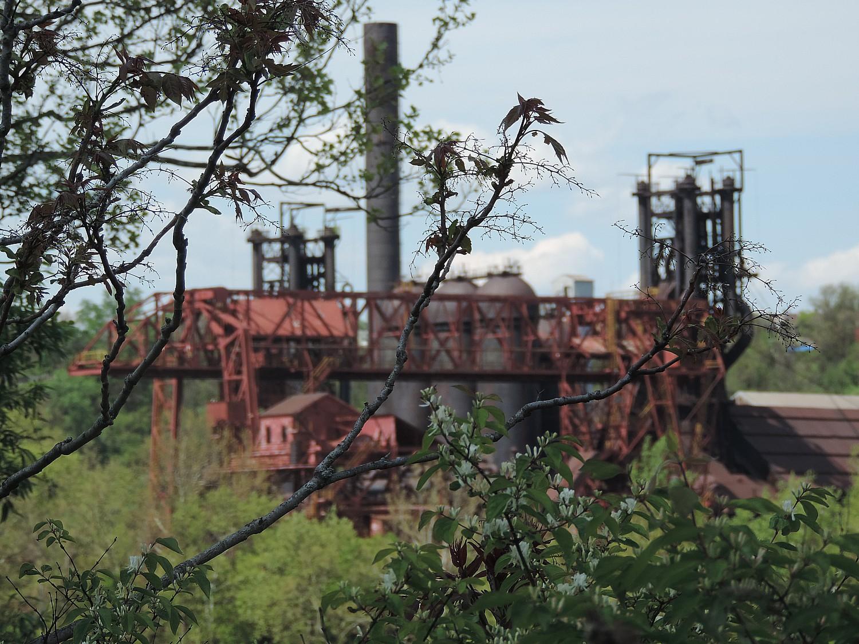 Pittsburgh's industrial past comes into view © 2016 Karen Rubin/goingplacesfarandnear.com