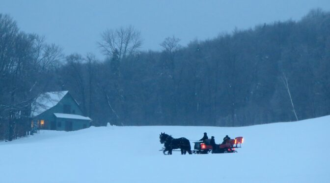 """Vermont's Indies Strike Back! Independent Ski Resorts Lure """"Uncommitteds"""" with Versatility, Flexibility & Vibe"""