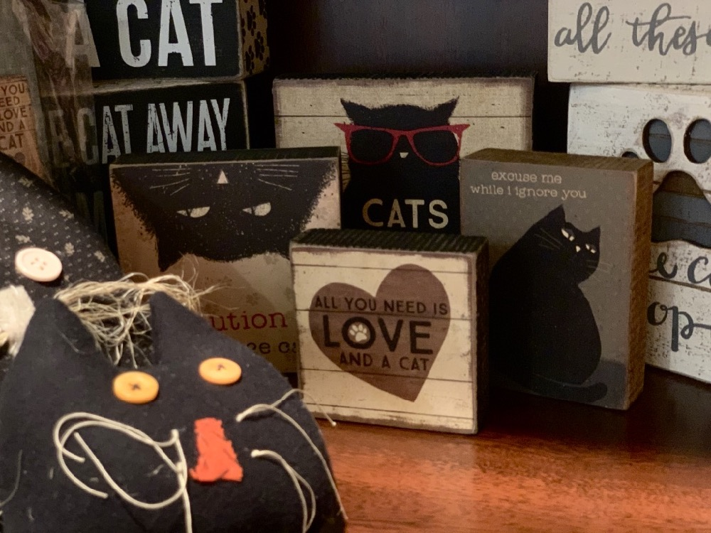 Cat Home Decor Items and Gift Items